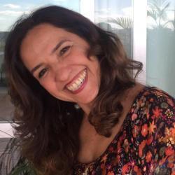 Adriana Aranha profile image